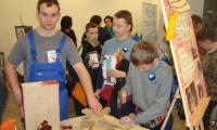 Prezentacja wyrobów stolarskich - szybka nauka posługiwania się narzędziami stolarskimi