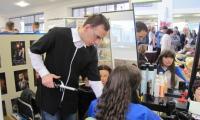 Wiosenne inspiracje fryzur - warsztaty zaprezentowane przez grupę uczniów ZSZ