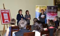 Pani Dyrektor Mariola Cyganek wita uczestników konkursu