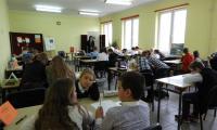 Uczestnicy Wielkiej Ligi Czytelników piszą test