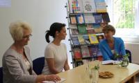 Moderator spotkania D.Łancucka oraz Dyrektor KPCEN we Włocławku G.Troszyńska podczas spotkania z Olgą Bończyk