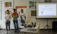 Roboty LEGO prezentują uczniowie z Gim. im.ONZ we Włocławku