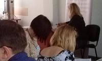 K. Fenik-Gaberle prowadząca ćwiczenia w czasie szkolenia Podejrzenie przemocy domowej wobec dziecka - diagnoza i interwencja, Toruń, 19.05.2017 r.,  fot. Biuro Wsparcia Rodziny i Przeciwdziałania Przemocy.