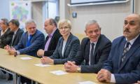 Uroczystość podpisania umowy z wykonawcą przebudowy drogi wojewódzkiej nr 265, fot. Szymon Zdziebło/Tarantoga.pl