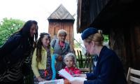 """Muzeum Etnograficzne w Toruniu przygotowało specjalny program pod hasłem  """"Śmiechy spod strzechy"""", fot. Mikołaj Kuras"""