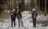 Choinkę, dar od Lasów Państwowych, osobiście wybrał marszałek Piotr Całbecki, fot. Łukasz Piecyk