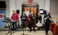 """Wystawa rękodzieła osób niepełnosprawnych """"My też potrafimy"""" w Urzędzie Marszałkowskim, fot. Łukasz Piecyk"""