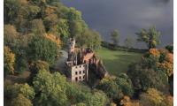 zespół pałacowo parkowy w Runowie Krajeńskim  z malowniczymi ruinami zamku pałacu, fot. Daniel Pach