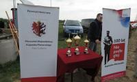Puchary dla zwycięzców; foto. Tadeusz Kierel
