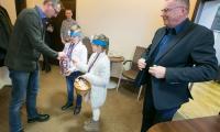 Kwestę w budynkach Urzędu Marszałkowskiego przeprowadzili uczniowie z orkiestrowego sztabu w Szkole Podstawowej nr 1 w Toruniu, fot. Andrzej Goiński