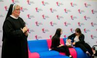 Uroczyste wręczenie symbolicznych czeków beneficjentom balu w Urzędzie Marszałkowskim, fot. Łukasz Piecyk