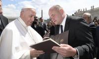 Poświęcenie kamienia węgielnego przez papieża Franciszka, Rzym fot. z archiwum Urzędu Marszałkowskiego