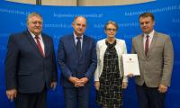 Uroczystość wręczenie umów RPO, fot. Szymon Zdziebło/tarantoga.pl dla UMWKP
