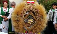II miejsce w konkursie na najładniejszy wieniec wykonany w stylu tradycyjnym –  KGW Czarże, gmina Dąbrowa Chełmińska, powiat bydgoski, fot. Iwona Górska/UMWKP