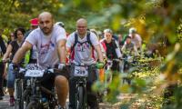 """13 października 2018, Rodzinny rajd rowerowy """"Ku Niepodległej"""" w Toruniu, fot. Szymon Zdziebło/tarantoga.pl"""