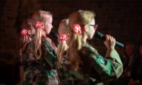 """Finał XV Wojewódzkiego Festiwalu Pieśni Patriotycznej """"Tobie Polsko"""" na Zamku Bierzgłowskim, fot. Łukasz Piecyk"""