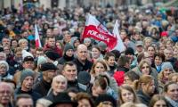 Piknik patriotyczny na toruńskiej Starówce, fot. Łukasz Piecyk dla UMWKP