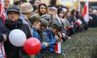 Bydgoszcz: uroczystości pod pomnikiem Wolności, fot. Roman Bosacki dla UMWKP