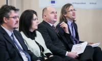 Samorządowcy oraz eksperci i przedstawiciele unijnych instytucji rozmawiają w Toruniu o e-administracji, fot. Andrzej Goiński/UMWKP
