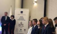 Wręczanie nagród przez Panią Zofię Pilecką-Optułowicz oraz Pana Bogdana Grzenkowicza