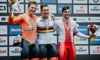 Mateusz Rudyk (pierwszy z prawej) na podium zwycięzców, fot. Szymon Gruchalski