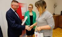 Uroczystość wręczenia umów grantowych w ramach RPO w Urzędzie Marszałkowskim, fot. Mikołaj Kuras