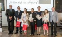 """Uroczystość wręczenia nagród w konkursie """"Oni tworzyli naszą historię"""", fot. Szymon Zdziebło/tarantoga.pl"""