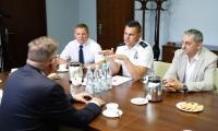 Uroczyste przekazanie umowy dotyczącej wparcia dla WOPR na zabezpieczenie i patrolowanie zbiorników wodnych województwa kujawsko-pomorskiego, fot. Mikołaj Kuras