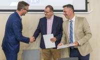 Uroczyste podpisanie umowy na przebudowę i modernizację skrzyżowania w Rypinie, fot. Szymon Zdziebło/www.tarantoga.pl