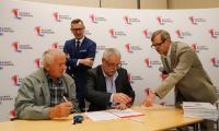 Podpisanie umów ze spółkami wodnymi, fot. Mikołaj Kuras