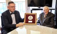 Medal Unitas Durat wręczył doktorowi Gajewskiemu wicemarszałek Zbigniew Ostrowski, fot. Andrzej Goiński