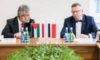 Ambasador Palestyny w Polsce Mahmoud Khalifa podczas spotkania w Urzędzie Marszałkowskim, fot. Andrzej Goiński