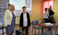 Laureat I miejsca, Kacper Goliński oraz dyrektor PBW
