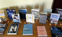 Wystawa książek, nawiązujących do tematu konkursu