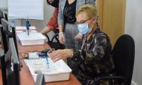 H.Insadowska, Dyrektor SP w Skudzawach testuje działanie pracowni