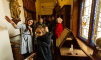 Zwiedzanie biblioteki bernardynów w Bydgoszczy, fot. Filip Kowalkowski