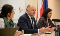 Telekonferencja prasowa marszałka Piotra Całbeckiego, 29 kwietnia 2020, fot. Mikołaj Kuras dla UMWKP