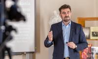 Warsztaty i katechezy online poświęcone papieżowi  w marszałkowskiej szkole internetowej, fot. Szymon Zdziebło/tarantoga.pl dla UMWKP
