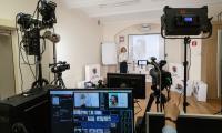 Uczniowie I liceum Ogólnokształcącego w Toruniu wcielili się w rolę nauczycieli i poprowadzili własne e-lekcje, fot. Mikołaj Kuras dla UMWKP