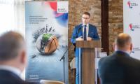 Podpisanie umów, fot. Szymon Zdziebło/www.tarantoga.pl dla UMWKP
