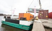 Konferencja prasowa na nabrzeżu wiślanym w Chełmnie oraz przeładunek kontenerów, fot. Mikołaj Kuras dla UMWKP
