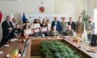 """Spotkanie z laureatami konkursu """"Poznajemy parki krajobrazowe Polski"""", fot. Andrzej Goiński/UMWKP"""