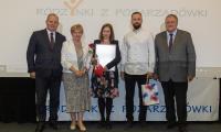 """Uroczystość wręczenia nagród w konkursie """"Rodzynki z pozarządówki"""", fot. Mikołaj Kuras dla UMWKP"""