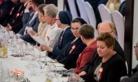 Uroczysta kolacja na cześć osób zasłużonych dla niepodległości i patriotycznej tradycji Ojczyzny. Wśród uczestników spotkania w Przysieku byli m.in. rówieśnicy niepodległej, czyli osoby, których osobiste losy zbiegły się z historią odrodzonej ojczyzny, fot. Łukasz Piecyk