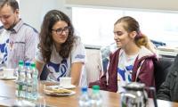 Wizyta w Urzędzie Marszałkowskim młodzieży przygotowującej się do wyjazdu na Światowe Dni Młodzieży w Panamie, fot. Szymon Zdziebło/tarantoga.pl