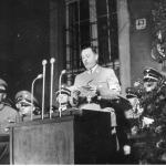 Albert Forster podczas antypolskiego przemówienia Gdańsk, sierpień 1939 NAC