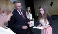 """Wręczenie nagród w konkursie """"Mój ojciec – dobrze być razem"""", fot. Mikołaj Kuras"""