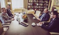 Spotkanie marszałka Całbeckiego i generała Grüna w Urzędzie Marszałkowskim, fot. Andrzej Goiński