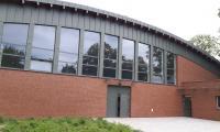 Budynek ujeżdżalni Fundacji Ducha